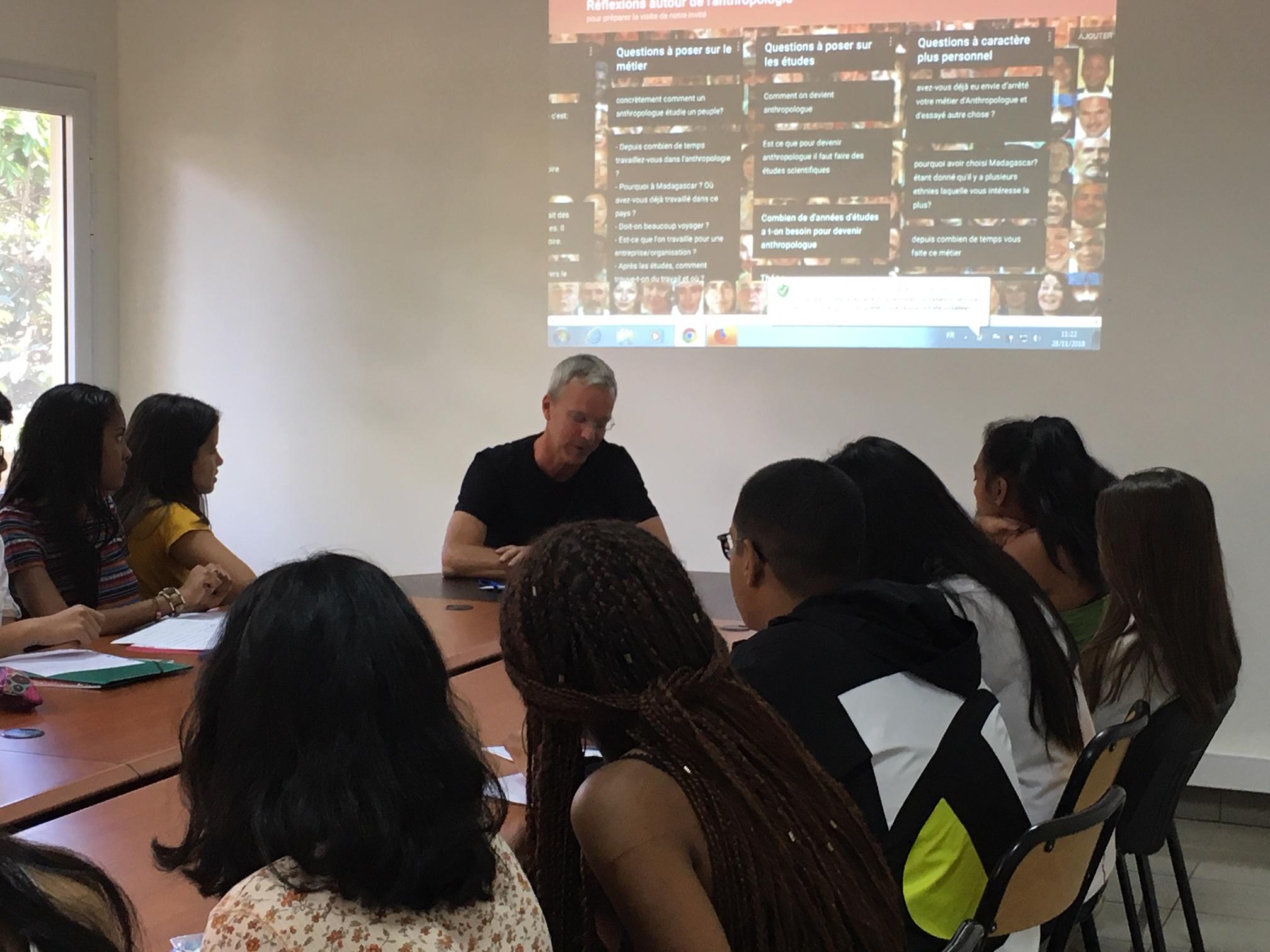 Rencontre avec un anthropologue - Lycée français de Tananarive